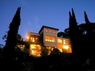 Villa @ dusk - Gourmet  Spanish Villa Retreat by the Bay - Mount Martha - rentals