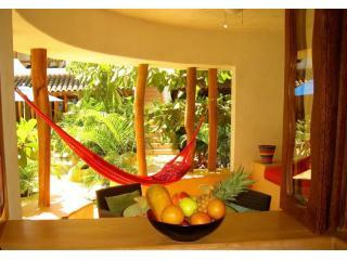 Luxurious Poolside 1BR Condo near beach & markets. - Zihuatanejo vacation rentals