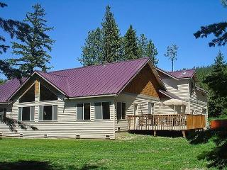 Luxury Vacation Home near the Lake!  5BR|Slps 16|Hot Tub  Pool! Free NIGHTS!! - Cle Elum vacation rentals