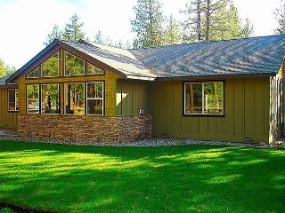 New, upscale Vacation Home! 3BR|Slps 9|Hot Tub|Pool *Summer Specials* - Cle Elum vacation rentals