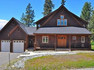 Custom Builders Cabin!  Hot Tub, Summer Pool! WiFi! - Cle Elum vacation rentals