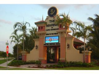 Cape Harbour.JPG - Walk 2 Cape Harbor, Cape Coral 80 pool, internet - Cape Coral - rentals