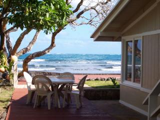 Pukana La Beachfront 2bd/1ba - North Shore vacation rentals