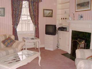 COVENT GARDEN  2 bedroom 2 bath (1302) - London vacation rentals
