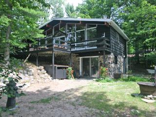 Doorian Gray cottage (#597) - Midland/Penetanguishene vacation rentals
