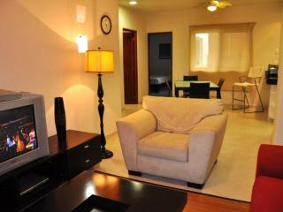 2 Bed in the Heart of Playa Del Carmen - PK20 - Playa del Carmen vacation rentals