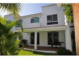 Home in tranquil gated community - Playacar