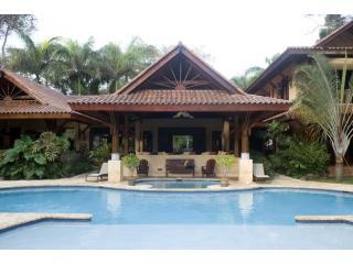 Sunrise Villa Verandas and Pool - Sunrise Villa, Upscale, Casual, and Fun - Cabrera - rentals