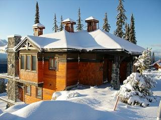 Artist's View Feathertop Location Sleeps 13 - Big White vacation rentals