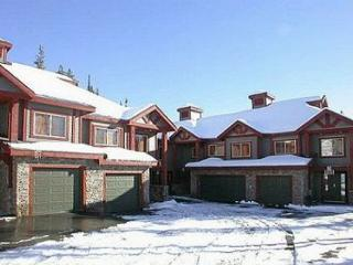 Snowbanks 3 Upper Snowpine Location Sleeps 11 - Big White vacation rentals