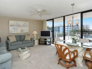 Bright 2BR with TV/DVD, balcony #303GS - Sarasota vacation rentals