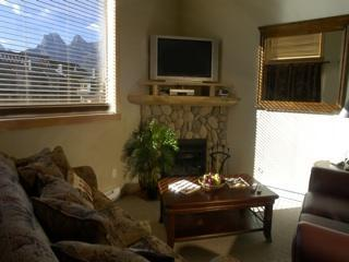Downtown Penthouse Homely, Antique Decor - Canmore vacation rentals
