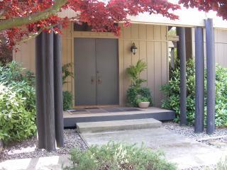Front Area - WINE COUNTRY HOME - Spacious outside living area - Sonoma - rentals