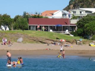Bay of Islands Beachfront - Tapeka Del Mar - Bay of Islands vacation rentals