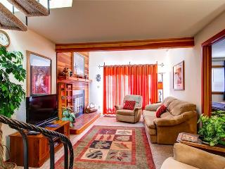 3 BR/3 BA exceptional condo for 9, breath taking views, centrally located - Silverthorne vacation rentals