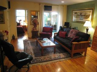 main living space - Awesome Garden Apartment - Upper West Side, NYC - Manhattan - rentals