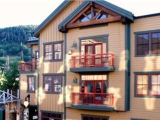 LIFT LODGE 203: SKI IN/SKI OUT! - Image 1 - Park City - rentals