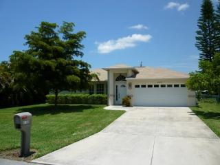 Cape Escape - 3/2 Electric Heated Pool Home, Fenced Yard, High Speed Internet - Fort Myers vacation rentals
