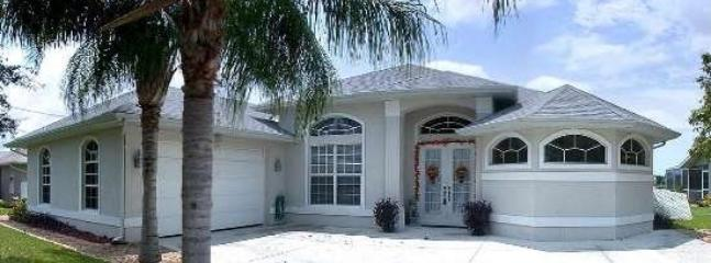 Villa Del Carmen - 3/2 Electric Heated Pool Home, Lake Front, High Speed Internet - Image 1 - Cape Coral - rentals