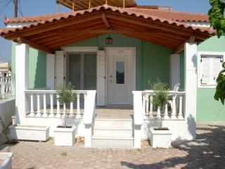 Ares' House: Near beach and archaeological sites - Peloponnese vacation rentals