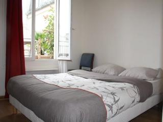 Great 1BR with terrace in the theatre District Rue Richer - apt #2 - Paris vacation rentals