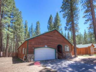 Adorable pet friendly home, 1mile to ski and beaches - HCH1054 - South Tahoe vacation rentals