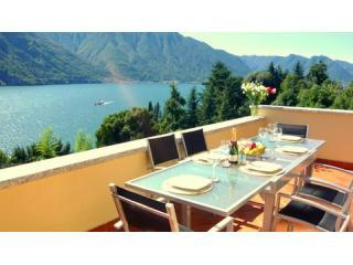 Dine alfresco to mesmering lake views! - Residency Tremezzo - Lake Como - rentals