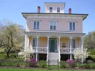 Mystic CT - Captain's Historic 5 BR Seaport Villa - Mystic vacation rentals