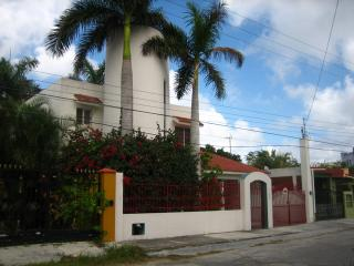 Casa Tallant - Large 2BR House, Great Location - Cozumel vacation rentals