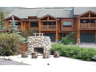 Slopeside 102: 3-bedrm, 3-bath townhome, walk to lifts - Winter Park vacation rentals