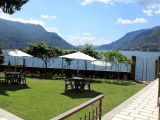 WATERFRONT  VILLA - LAKE COMO BEACH RESORT -  Miya - Como vacation rentals