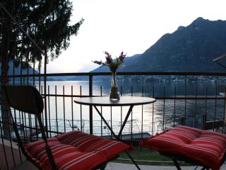 DIRECTLY on COMO WATERFRONT - AWESOME VIEWS Divino - Lombardy vacation rentals