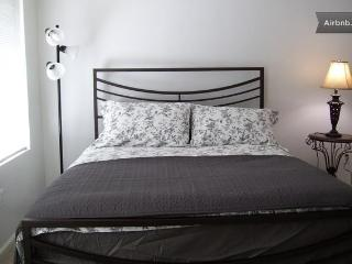 Manhattan Style Entire Apartment - Union City vacation rentals