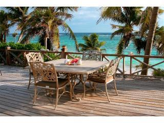 Bahamas Castaway - Oceanfront Tropical Island Home - Double Bay vacation rentals