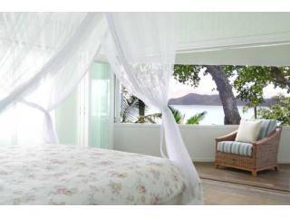 Master bedroom overlooking Dunk Isl - Mission Beach Luxury Beachfront Home - South Mission Beach - rentals