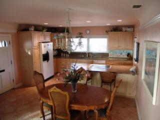 156kitcheninternet - One Story Home Steps from the Sand - Pismo Beach - rentals