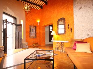 Beautifully Renovated Colonial-Walk to Everything - Merida vacation rentals