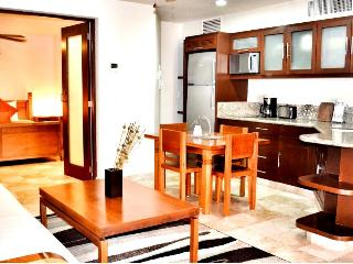 Acanto Boutique Hotel and Condominiums, just steps to the beach - Playa del Carmen vacation rentals