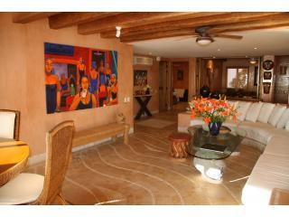 Picture yourself in this luxurious condo with pool - Zihuatanejo vacation rentals