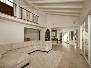 Pacific Beach 4 Bedroom Home!  Panoramic View!! very large with deck and garden - San Diego vacation rentals