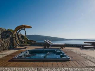 Swinging Sunset Villa, Perfect Sunset Views with Privacy & Luxury - Swimming pool & Private outdoor heated hydro massage spa. - Oia vacation rentals