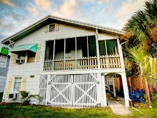 My Beach House, Beachside of street,Sleeps 10P Pet - Tybee Island vacation rentals
