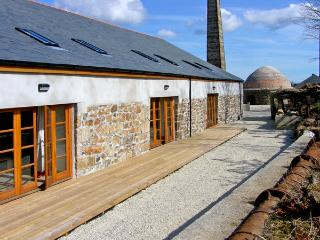 RIVERSIDE, family friendly, country holiday cottage, with a garden in Roche, Ref 2404 - Cornwall vacation rentals