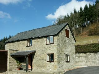 BORDER VIEW, family friendly, character holiday cottage, with a garden in Kington, Ref 1727 - Kington vacation rentals