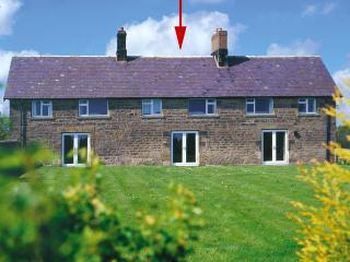 BRIAN'S COTTAGE, family friendly, character holiday cottage, with a garden in Alnmouth, Ref 208 - Alnmouth vacation rentals