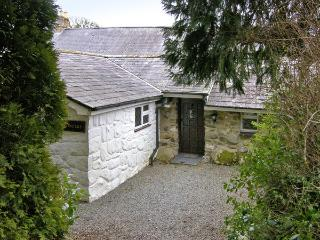 CONIFERS COTTAGE, pet friendly, character holiday cottage, with a garden in Talhenbont Hall Country Estate, Ref 380 - Chwilog vacation rentals