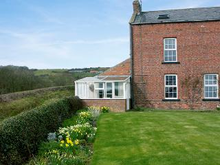 CROFT FARM COTTAGE, family friendly, with a garden in Robin Hood'S Bay, Ref 1071 - Robin Hood's Bay vacation rentals