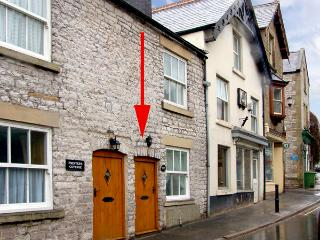 EXCHANGE COTTAGE, family friendly, character holiday cottage in Tideswell, Ref 2422 - Tideswell vacation rentals