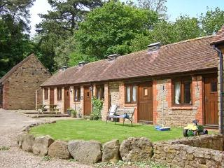 SPINNEY RETREAT, pet friendly, luxury holiday cottage, with a garden in Cardington Near Church Stretton, Ref 1191 - Cardington vacation rentals
