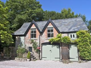 GRANTON COACH HOUSE, romantic, character holiday cottage, with open fire in Goodrich, Ref 3594 - Herefordshire vacation rentals